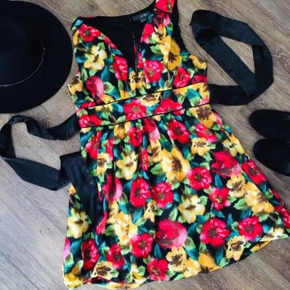 ADORABLE Floral Bubble-Skirt Mini-Dress!!!!
